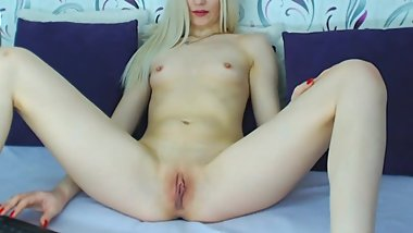 Gorgeous College Teen Orgasms In an Awesome Live Show High Definition