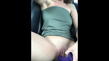 Sexy Tiny Brunette Fucks Herself In Car
