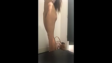 Teen gets horny while shopping and masturbate